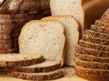 more-foods-to-never-buy-again-02-bread-sl