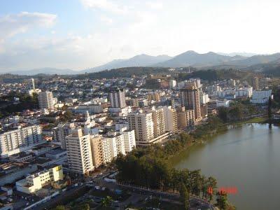 O terreno do Parque das Águas de São Lourenço está afundando devido ao comprometimento dos lençóis subterrâneos.