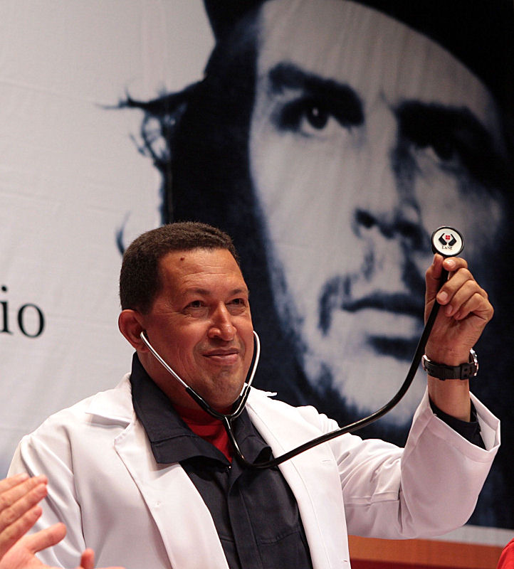 Chavez no dia do Medico Integral Comunitario